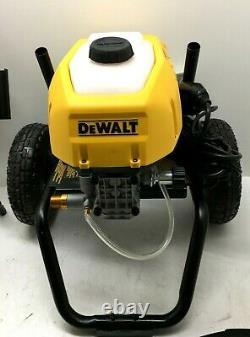 DeWalt DWPW2400 13 Amp 2400 PSI 1.1 GPM Cold-Water Pressure Washer, GR